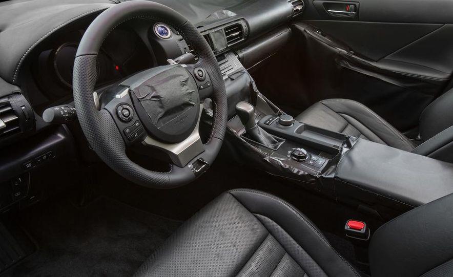 2014 Lexus IS - Slide 33