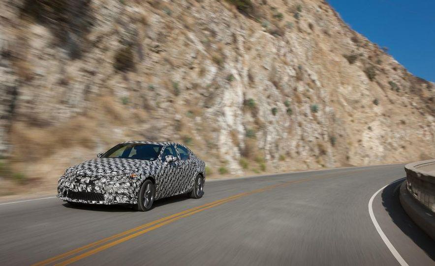 2014 Lexus IS - Slide 3