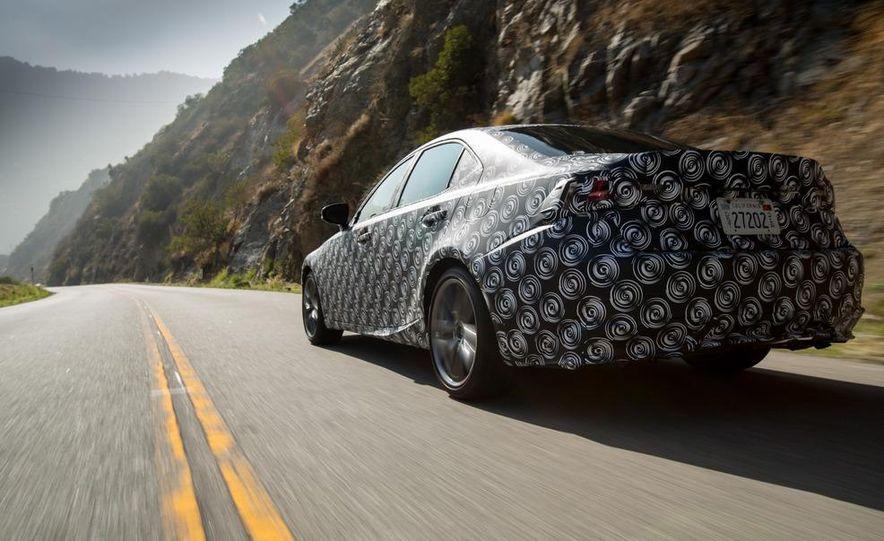 2014 Lexus IS - Slide 5