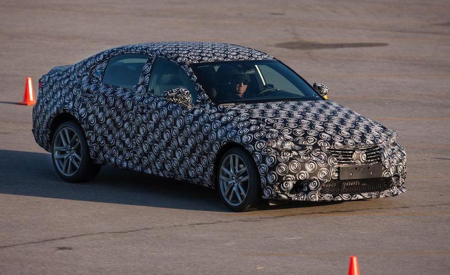 2014 Lexus IS - Slide 10