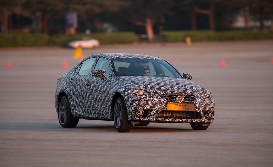 2014 Lexus IS - Slide 12