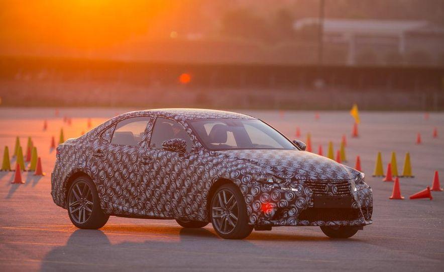 2014 Lexus IS - Slide 13