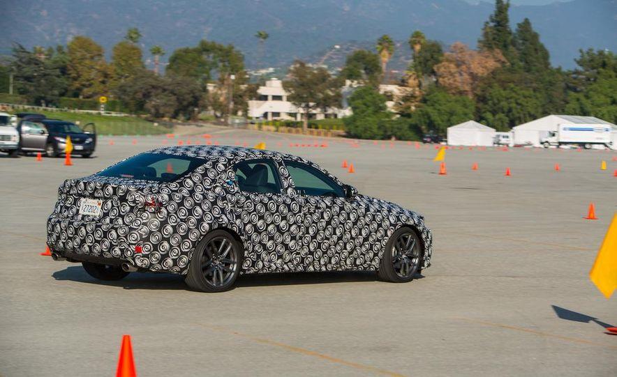 2014 Lexus IS - Slide 15