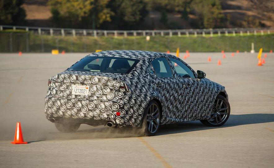 2014 Lexus IS - Slide 25