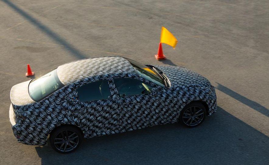 2014 Lexus IS - Slide 26