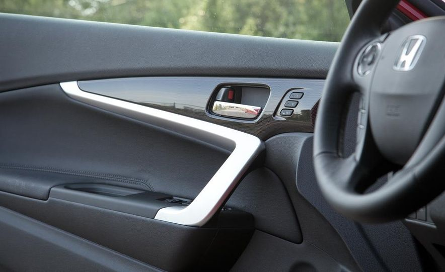 2013 Honda Accord V-6 coupe - Slide 33