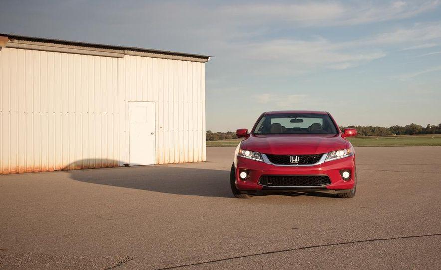 2013 Honda Accord V-6 coupe - Slide 7
