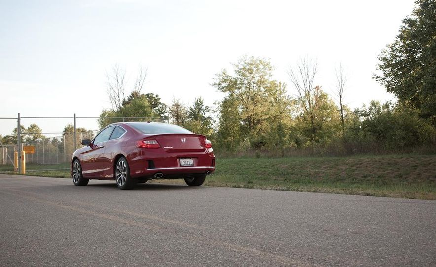 2013 Honda Accord V-6 coupe - Slide 8