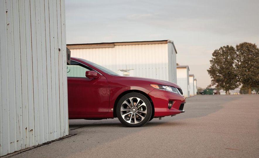 2013 Honda Accord V-6 coupe - Slide 12