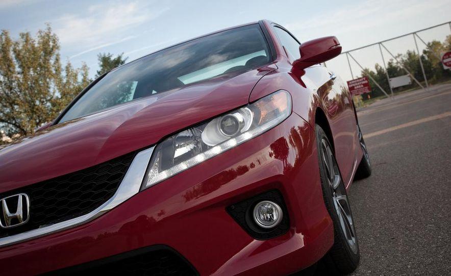 2013 Honda Accord V-6 coupe - Slide 18