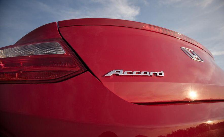 2013 Honda Accord V-6 coupe - Slide 22