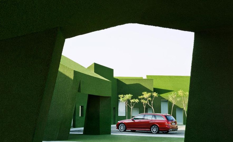 2014 Mercedes-Benz E250 wagon, E300 BlueTec Hybrid, and E350 4MATIC - Slide 56