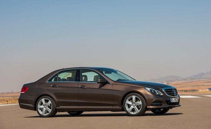 2014 Mercedes-Benz E250 wagon, E300 BlueTec Hybrid, and E350 4MATIC - Slide 19