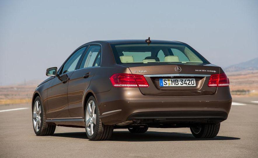 2014 Mercedes-Benz E250 wagon, E300 BlueTec Hybrid, and E350 4MATIC - Slide 29