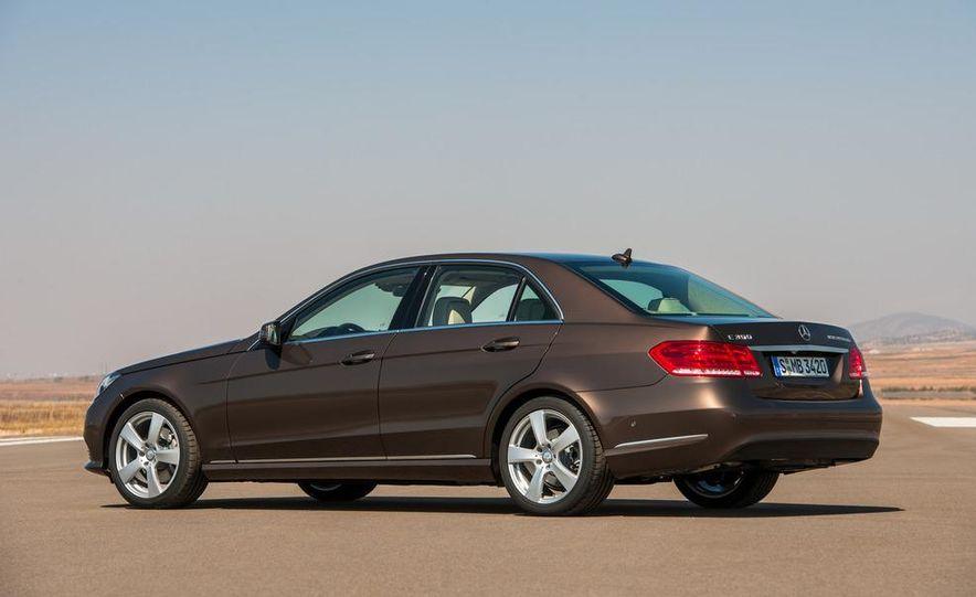 2014 Mercedes-Benz E250 wagon, E300 BlueTec Hybrid, and E350 4MATIC - Slide 30