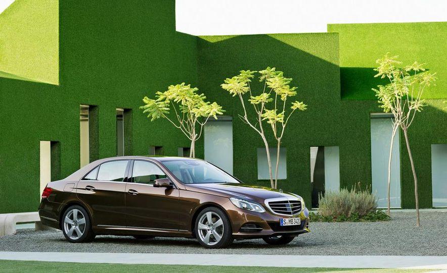 2014 Mercedes-Benz E250 wagon, E300 BlueTec Hybrid, and E350 4MATIC - Slide 31