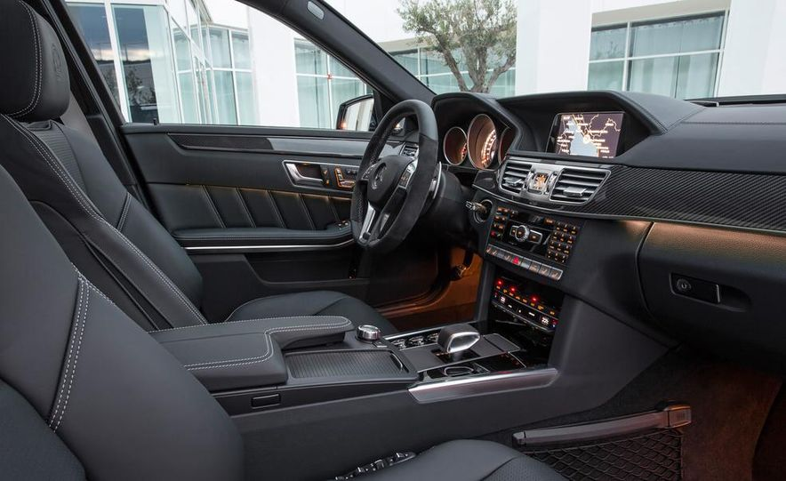 2014 Mercedes-Benz E63 AMG S 4MATIC sedan - Slide 36
