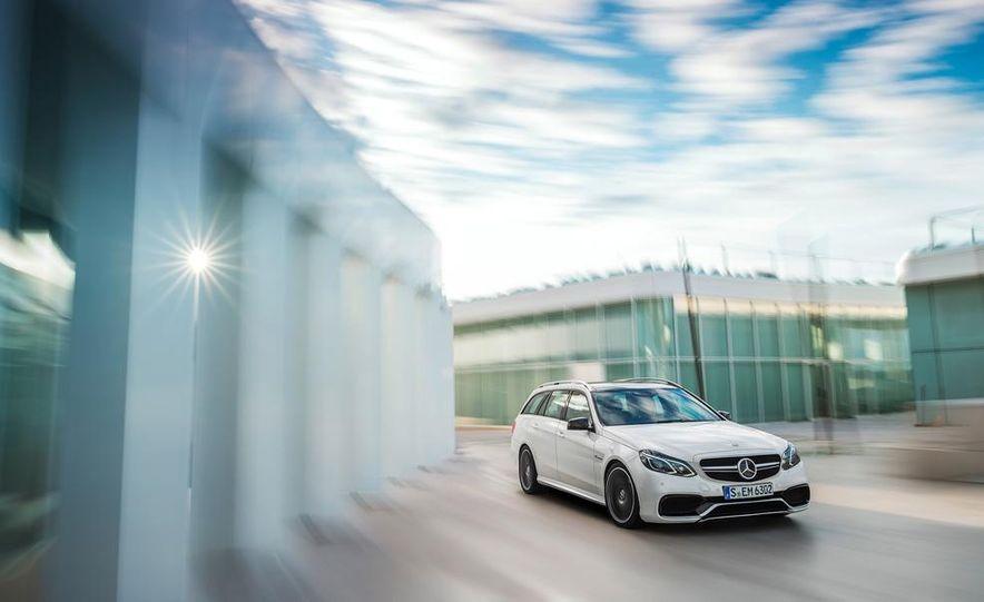 2014 Mercedes-Benz E63 AMG S 4MATIC sedan - Slide 22