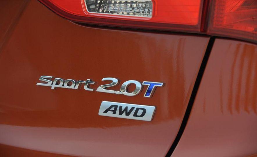 2013 Hyundai Santa Fe Sport - Slide 20