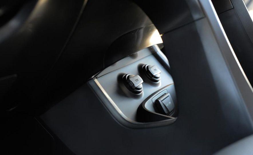 2013 Hyundai Santa Fe Sport - Slide 29