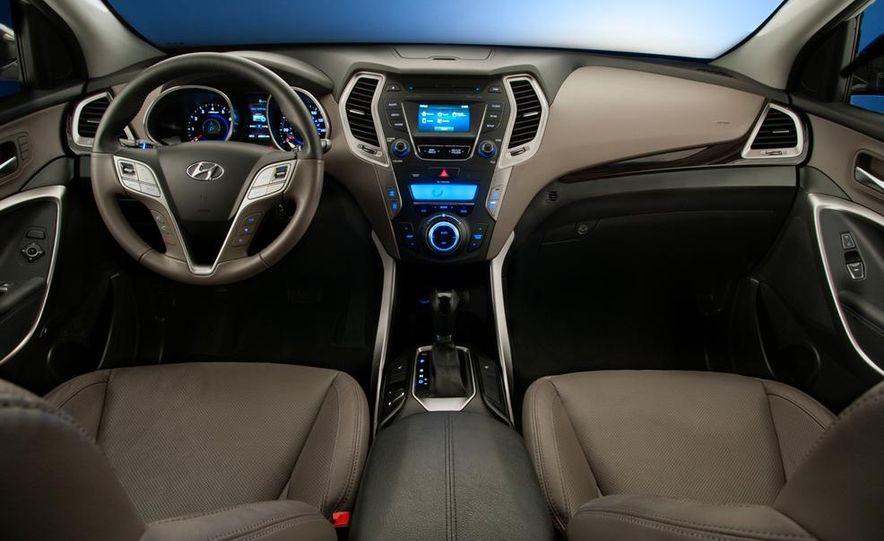 2013 Hyundai Santa Fe Sport - Slide 18