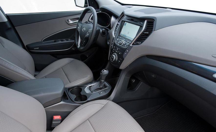 2013 Hyundai Santa Fe Sport - Slide 19