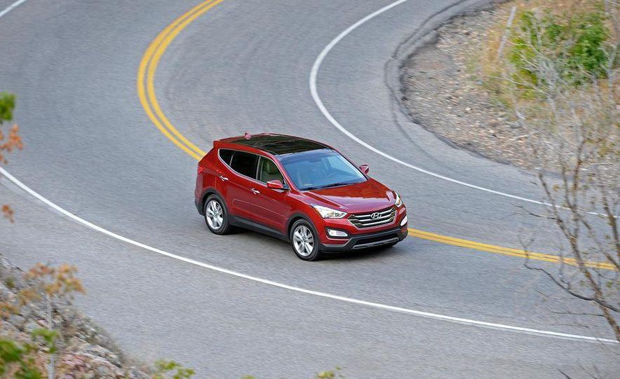 2013 Hyundai Santa Fe Sport - Slide 2