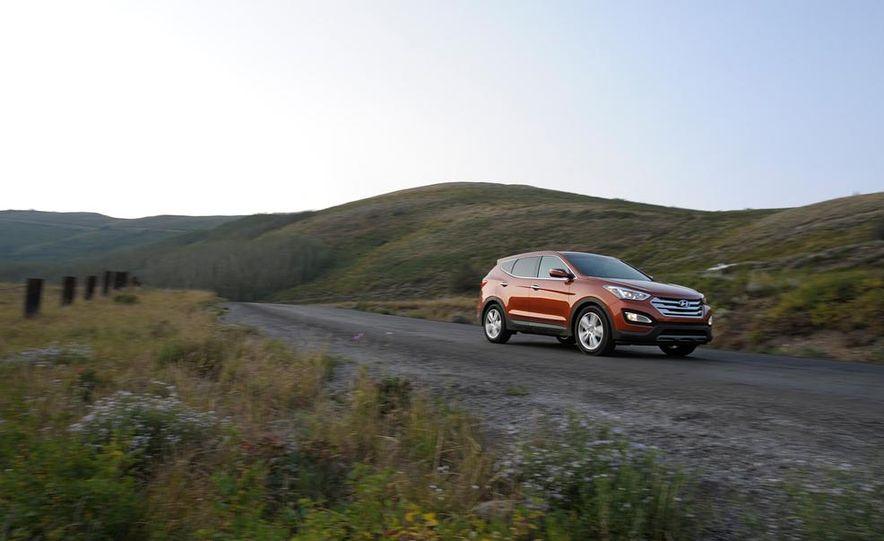 2013 Hyundai Santa Fe Sport - Slide 5