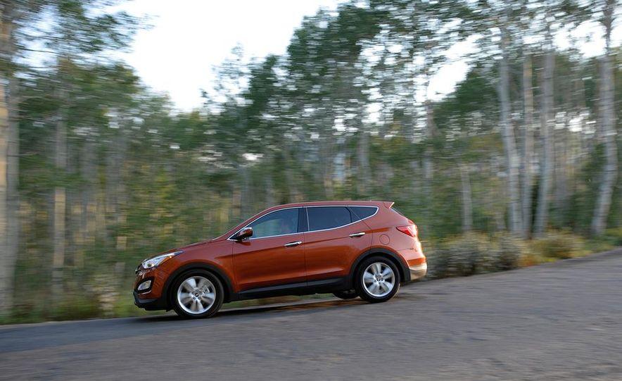 2013 Hyundai Santa Fe Sport - Slide 7
