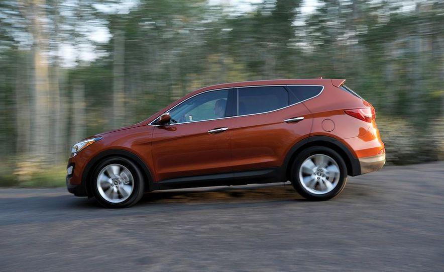 2013 Hyundai Santa Fe Sport - Slide 9