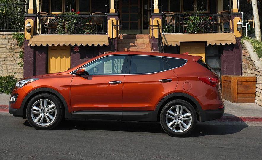 2013 Hyundai Santa Fe Sport - Slide 14