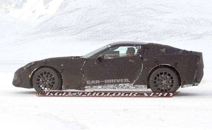 2014 Chevrolet Corvette C7 6.2-liter V-8 engine (artist's rendering) - Slide 18