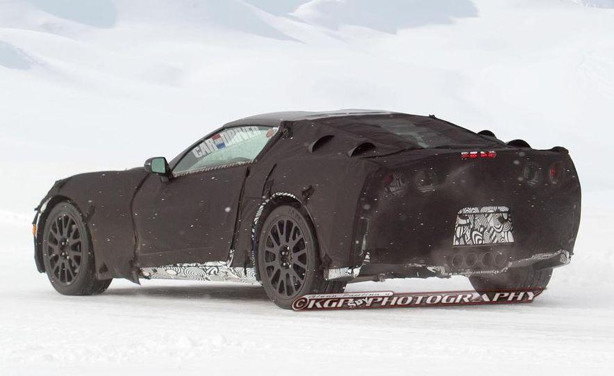 2014 Chevrolet Corvette C7 6.2-liter V-8 engine (artist's rendering) - Slide 21