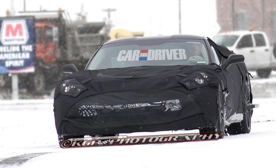 2014 Chevrolet Corvette C7 6.2-liter V-8 engine (artist's rendering) - Slide 30