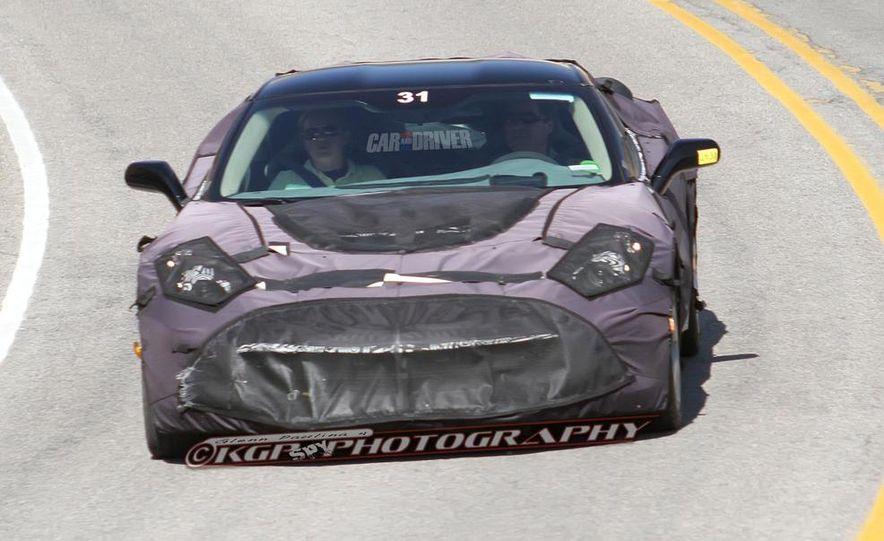 2014 Chevrolet Corvette C7 6.2-liter V-8 engine (artist's rendering) - Slide 35
