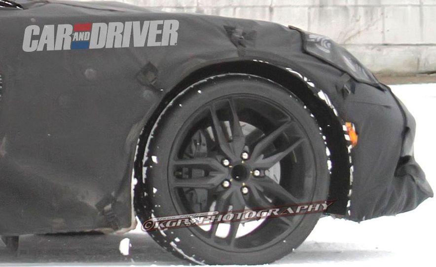 2014 Chevrolet Corvette C7 6.2-liter V-8 engine (artist's rendering) - Slide 37