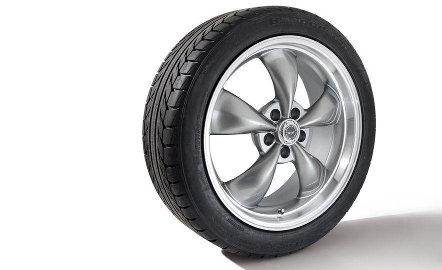 Fuchs FP.1 wheel on a Goodyear Eagle F1 Asymmetric 2 tire - Slide 3