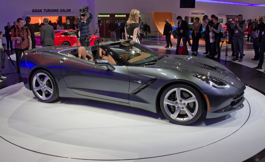 2014 chevrolet corvette c7 stingray convertible photos and info news car and driver. Black Bedroom Furniture Sets. Home Design Ideas