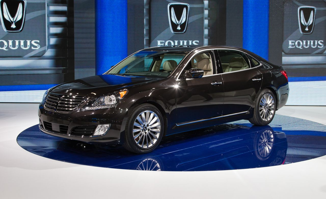 Hyundai equus car and driver