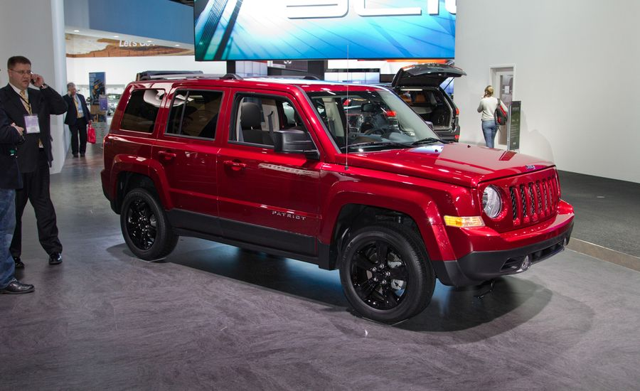 2014 jeep patriot photos and info news car and driver. Black Bedroom Furniture Sets. Home Design Ideas