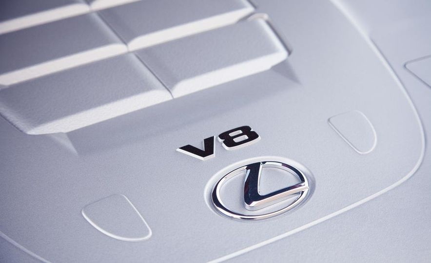 2013 Lexus LS460 F Sport - Slide 66