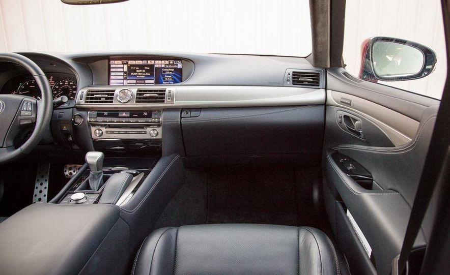 2013 Lexus LS460 F Sport - Slide 30