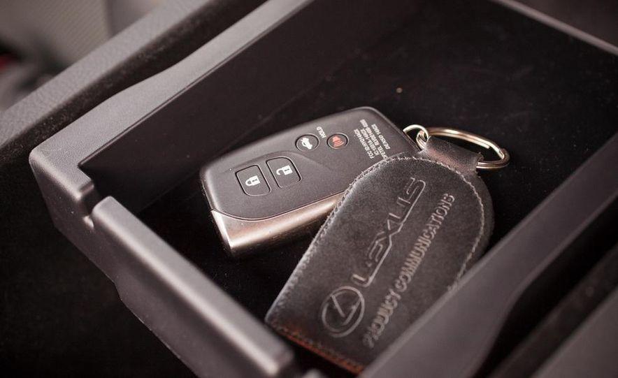 2013 Lexus LS460 F Sport - Slide 47