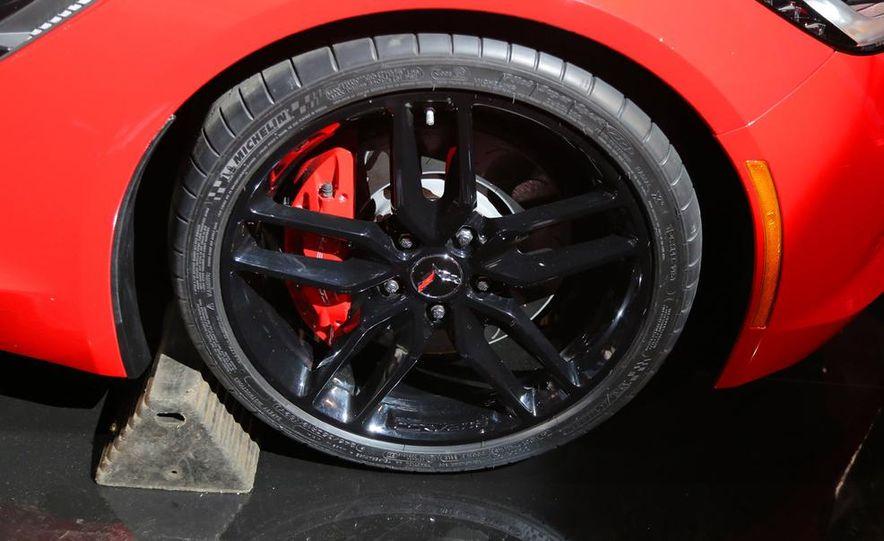 2014 Chevrolet Corvette Stingray - Slide 27