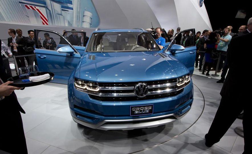 Volkswagen CrossBlue concept - Slide 9