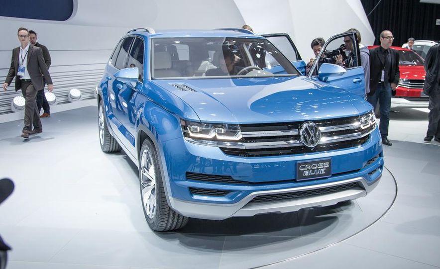 Volkswagen CrossBlue concept - Slide 1