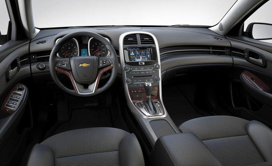 2014 Chevrolet Malibu (spy photo) - Slide 38