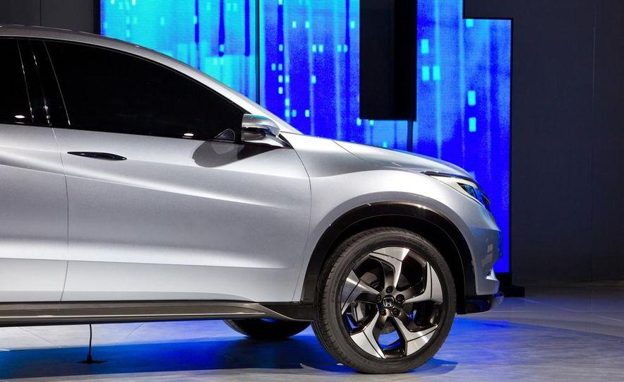 Honda Urban SUV concept - Slide 21