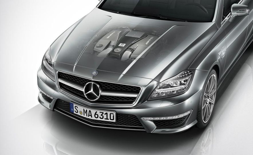 2014 Mercedes-Benz CLS63 AMG S-Model 4MATIC sedan - Slide 9
