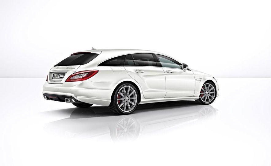 2014 Mercedes-Benz CLS63 AMG S-Model 4MATIC sedan - Slide 13